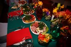 Общий вид на стол с мероприятия по мексикански