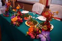 Мексиканский стол со стороны