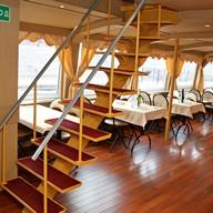 Лестница теплохода Москва 213