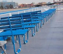 Скамейки на второй палубе