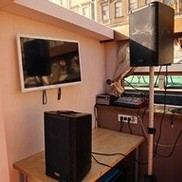 ДВД панель и другое оборудование на теплоходе Пиета